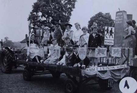 Market Lavington school pupils in the 1959 West Lavington carnival