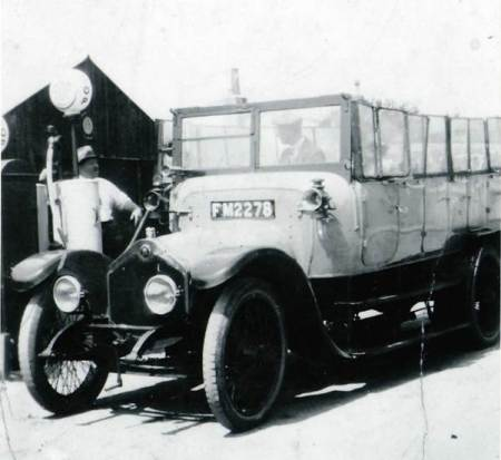 Unknown bus attended by Andrew Poolman who lived and worked in Market Lavington from about 1914 to 1925