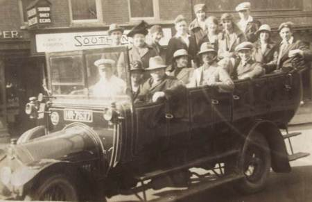 Easterton Chapel outing en route to Bournemouth on 4th June 1927. The bus belonged to the Lavington and Devizes Motor Service.