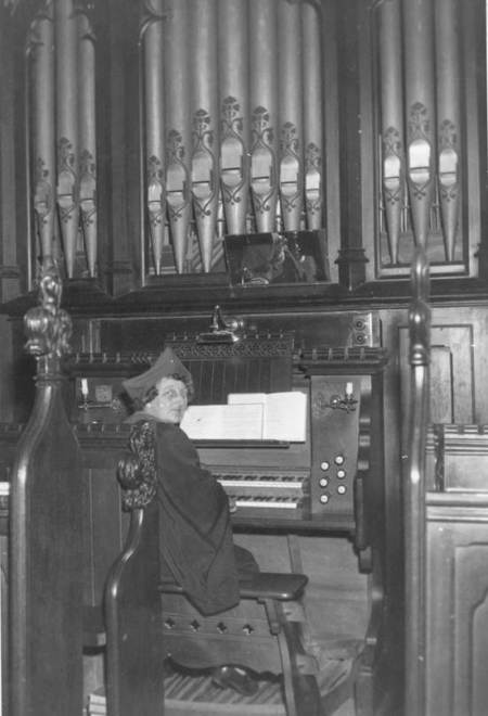 Florence O'Reilly at the organ in Market Lavington Church