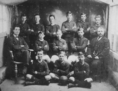 Market Lavington - a football team during World war I