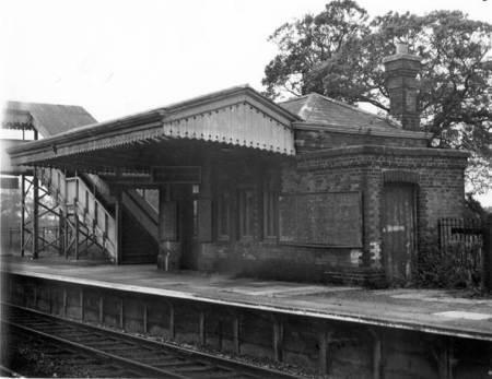 The up platform at Lavington Station