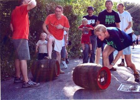 Competitirs and others at the 2005 Market Lavington barrel rolling competition