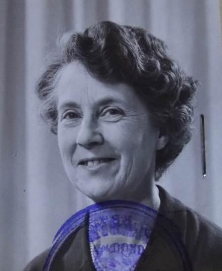 Driving license photo of Barbara Reynolds