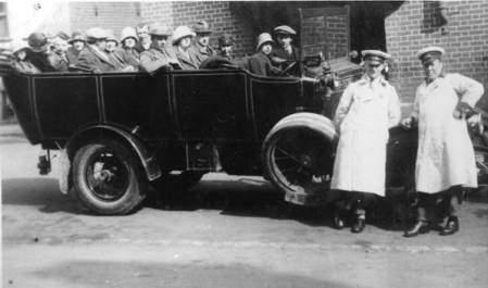 Charabanc trip from Market Lavington - at Salisbury in the 1920s