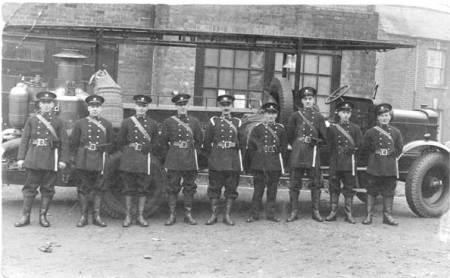 Market Lavington fire brigade in 1942
