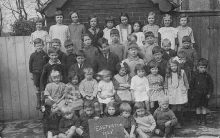 Easterton School children in 1928