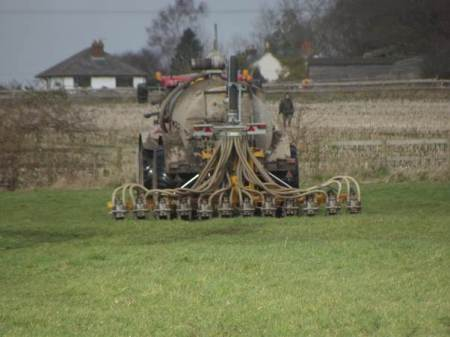 Injecting the soil with slurry at Market Lavington - February 2014
