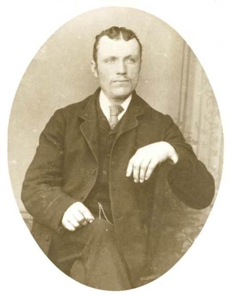 John Hampton Merritt (1842-1912) A Market Lavington blacksmith