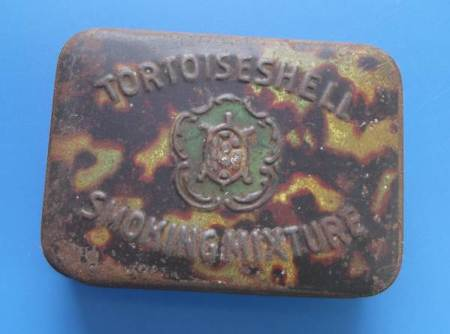 Tortoiseshell Smoking Mixture tin from the early years of the twentieth century