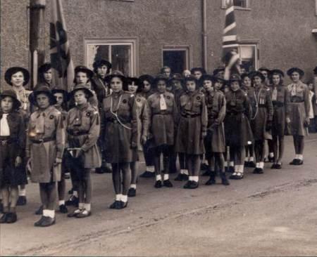 Lavington Girl Guides in 1941