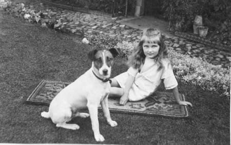 Peggy Welch and the dog Rufus in 1926
