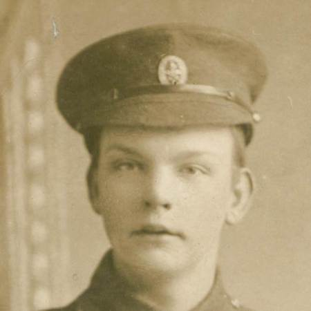 Can you identify Edward's cap badge?