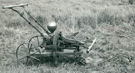 Easterton's Victorian fire pump - last seen in the village in 1975