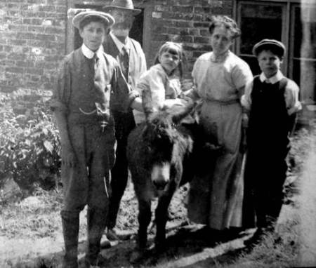 Wilf, Sam, Bertha, Jane and Bill Moore. The donkey's name is not known.