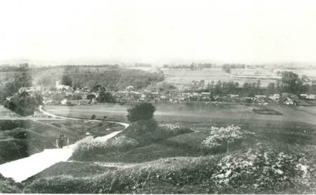 The road up Lavington Hill - early 20th century