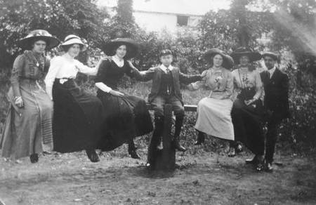 Charming group at Edington Gardens in about 1911