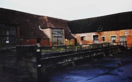 Knapp Farm Barns before conversion to White Horse Barns. The photo dates from 1997.