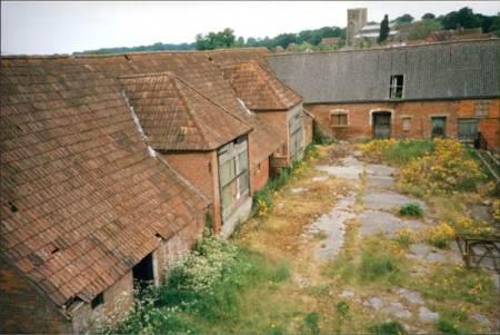 Knapp Farm barns in 1998