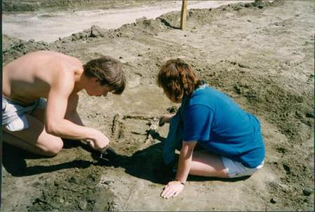 Archaeologists at work at Grove Farm in 1990