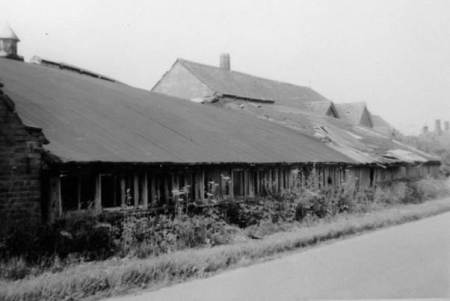 The Aerodrome Hut at Market Lavington Brick Yard in 1958. Prior to 1922 this had been at the Stonehenge Aerodrome