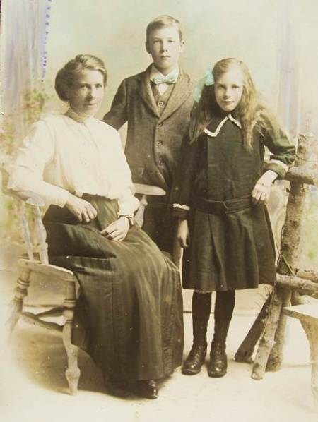 Mary Jane, Herbert and Gladys Davidge of Market Lavington