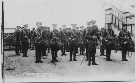 Soldiers at Lavington Station in 1910