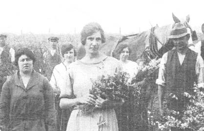 Bertha with bunch of flowers