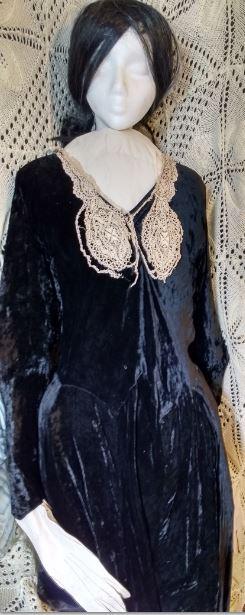 black velvet dress snip